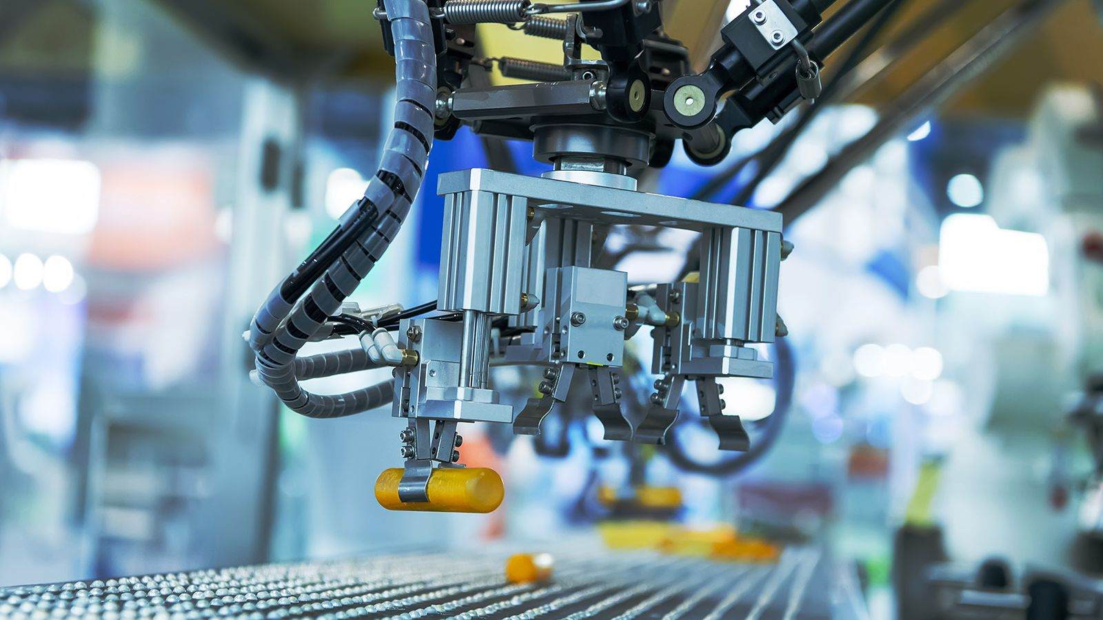 The Impact of Industrial IoT on Business Operations and the Measurement Mechanism