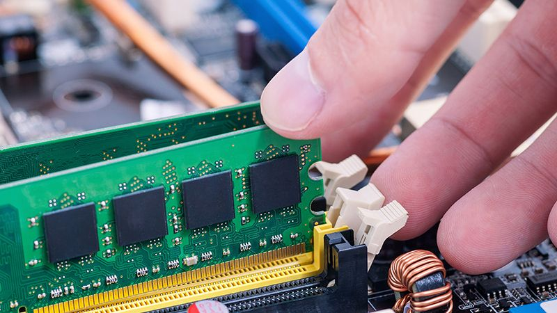 What You Need to Know Before Simulating DDR5 Buses